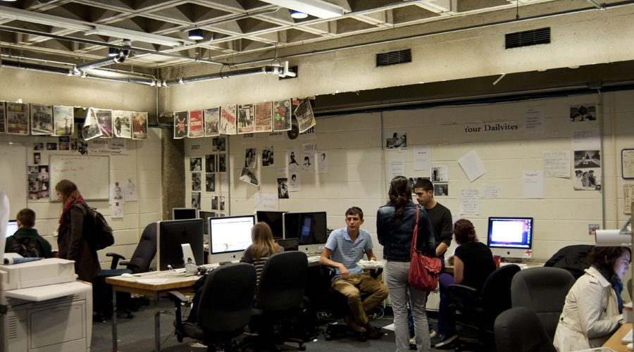 Le Délit prepares its weekly issue at the office of the Daily Publication Society. (Simon Poitrimolt / McGill Tribune)