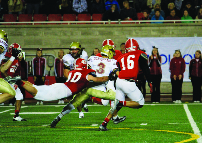 McGill defence tackles Concordia quarterback