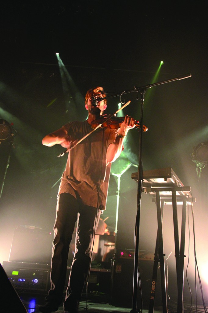 owen pallett plays the violin